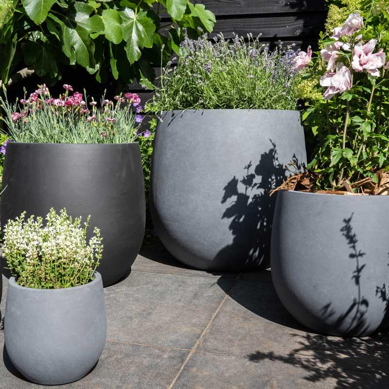 pflanzkübel-schwarz-grau