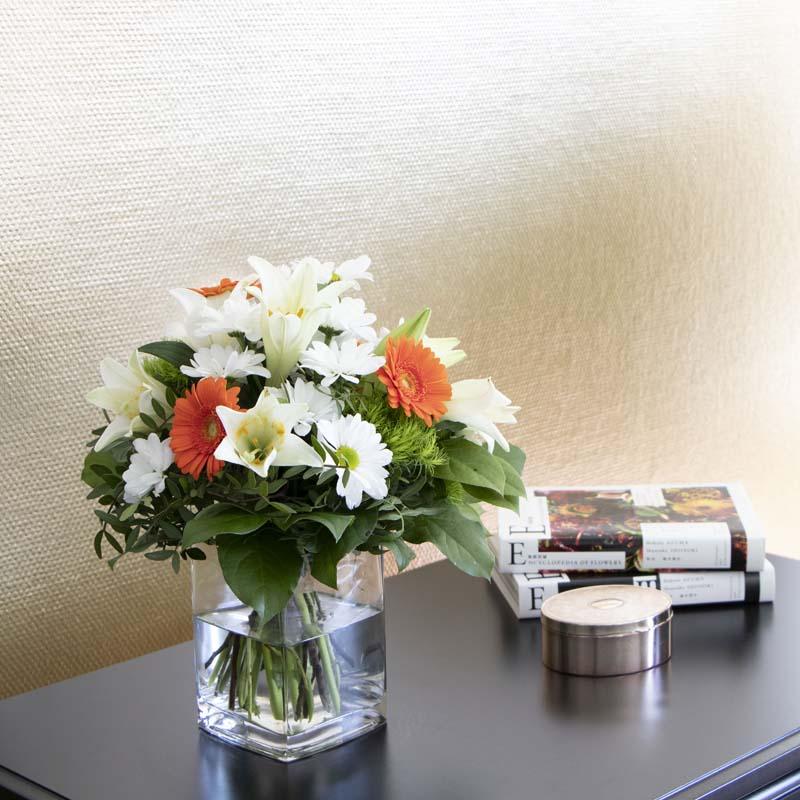 weißer BLumenstrauß aus Schnittblumen